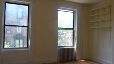 Brownstone 1 Bedroom in PRIME Brooklyn Heights!